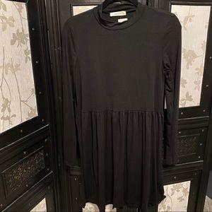 ⭐️ 2/$30 ⭐️ Black Mock Neck Swing Dress